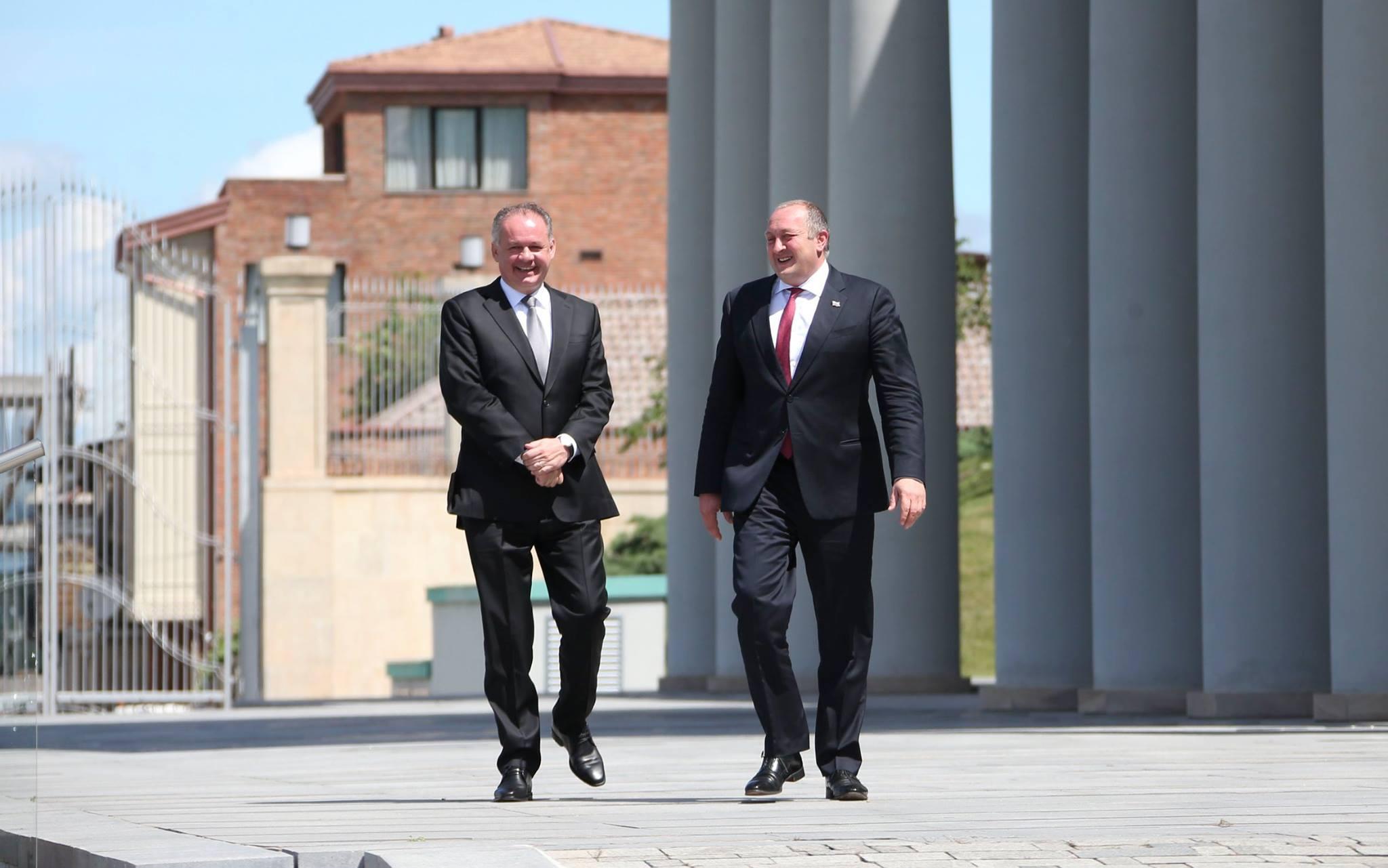 В Грузию с официальным визитом прибыл президент Словацкой Республики.