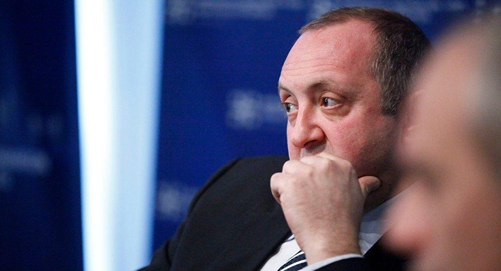 Президент Грузии побеседовал с Гигой Бокерия за закрытыми дверями