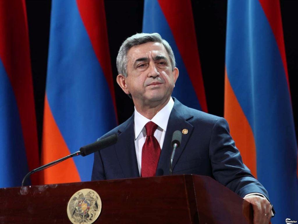 Президент Армении призвал вооруженную группу к сдаче оружия и освобождению заложников