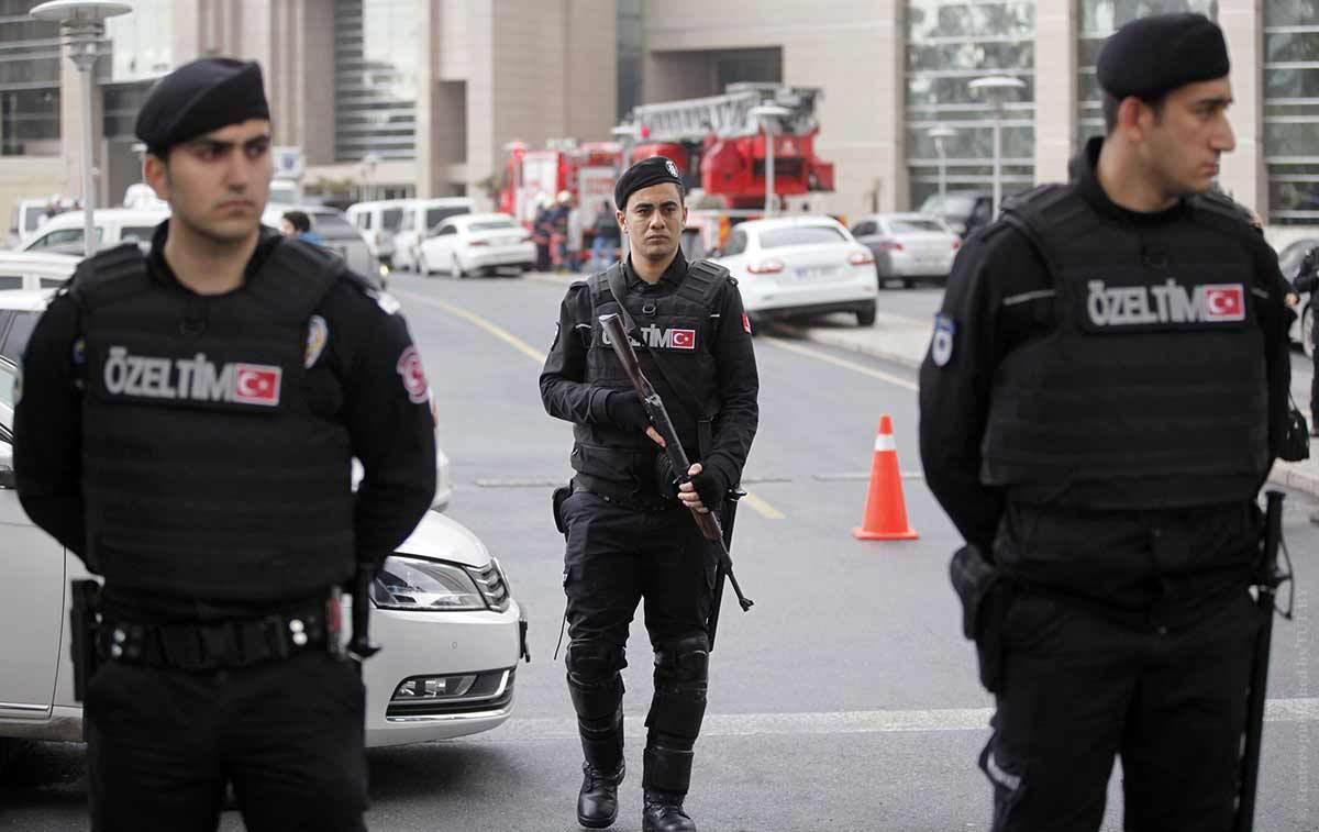В Турции вновь подорван автомобиль, есть жертвы