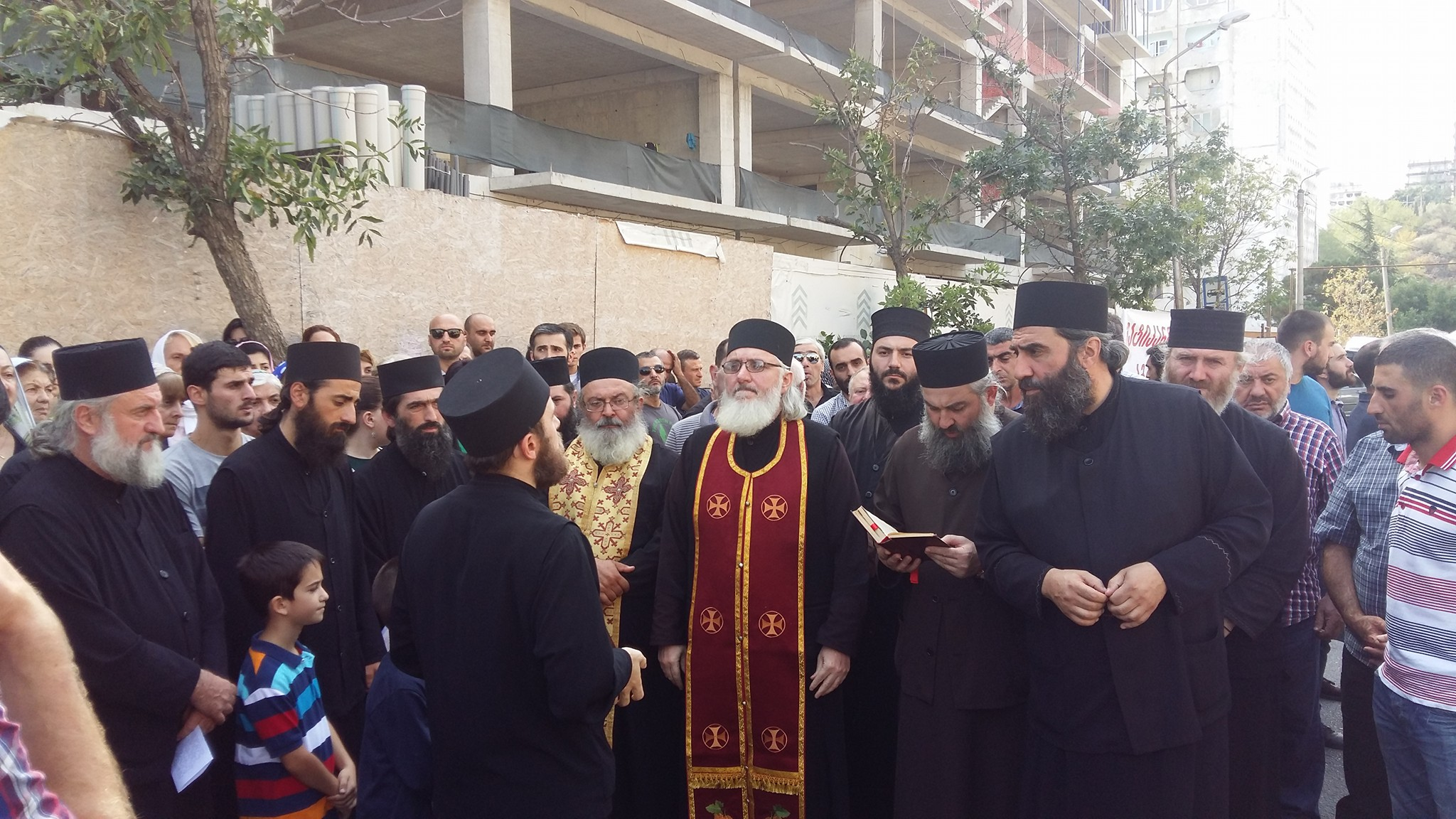 Представители грузинского духовенства опротестовали визит Папы Римского
