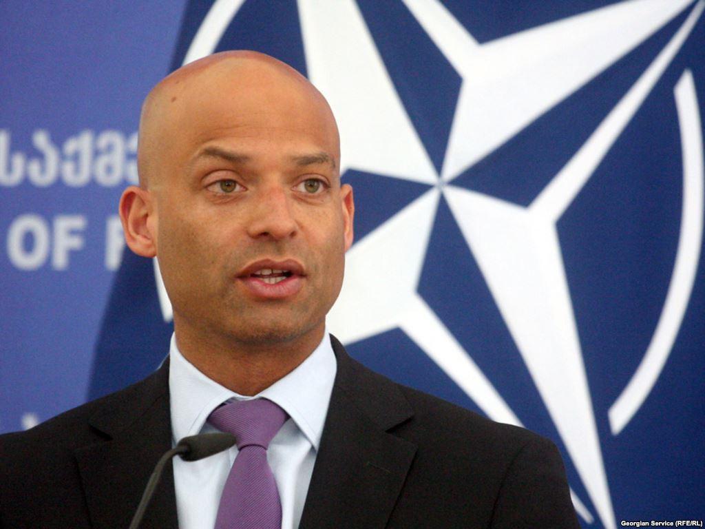 Джеймс Аппатурай: НАТО возмущено актами насилия в предвыборный период