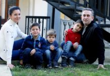 Заза Тавадзе, председатель Конституционного суда Грузии, с семьей