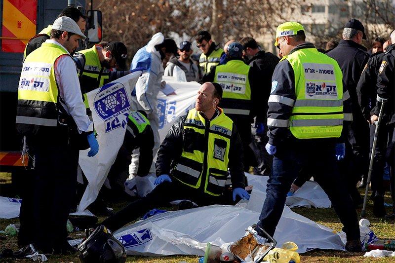 В центре Иерусалима грузовик въехал в группу военнослужащих