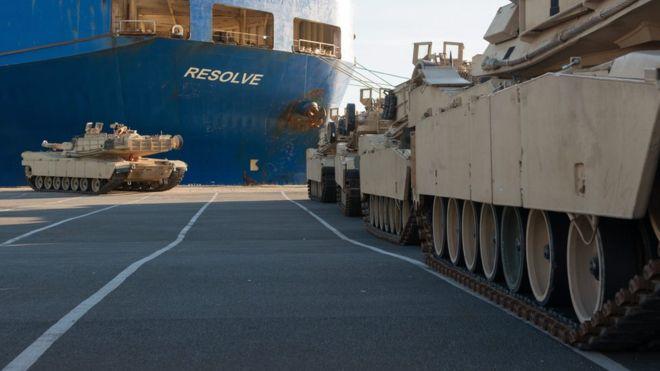 НАТО завершает самую крупную отправку военной техники в страны Балтии