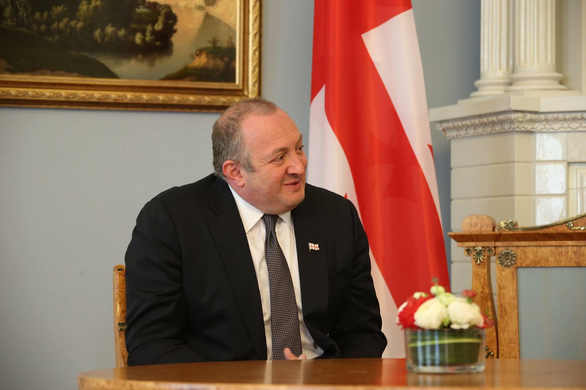 Опрос IRI: президент Грузии – любимый политик