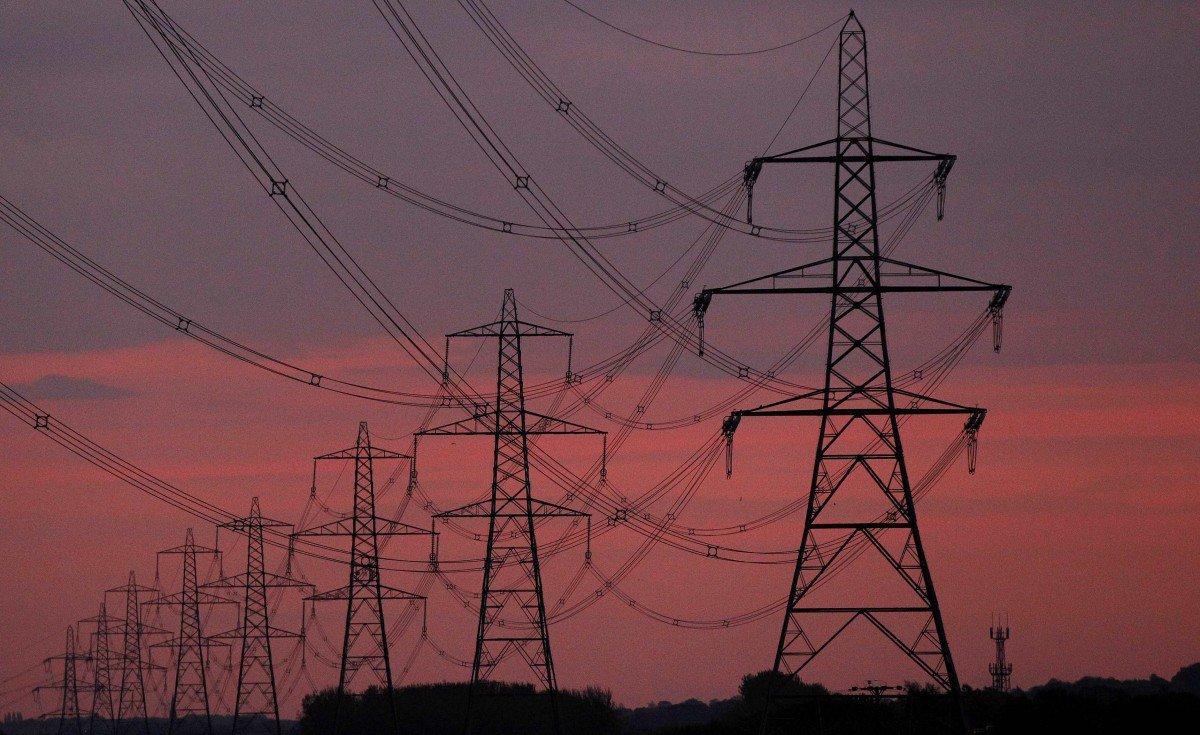 Киев прекратил поставки электроэнергии в ЛНР