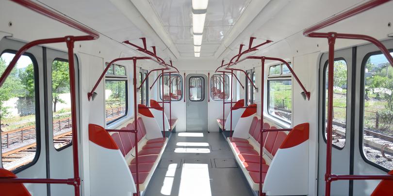 Вагоны тбилисского метро оснастили зарядкой для гаджетов