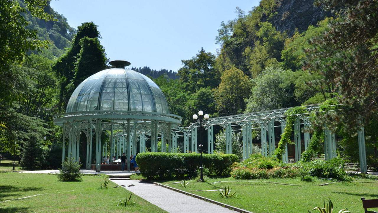 Borjomi min #новости featured, Боржоми-Харагаульский парк, боржомский лес, вертолеты, Грузия, пожар, помощь