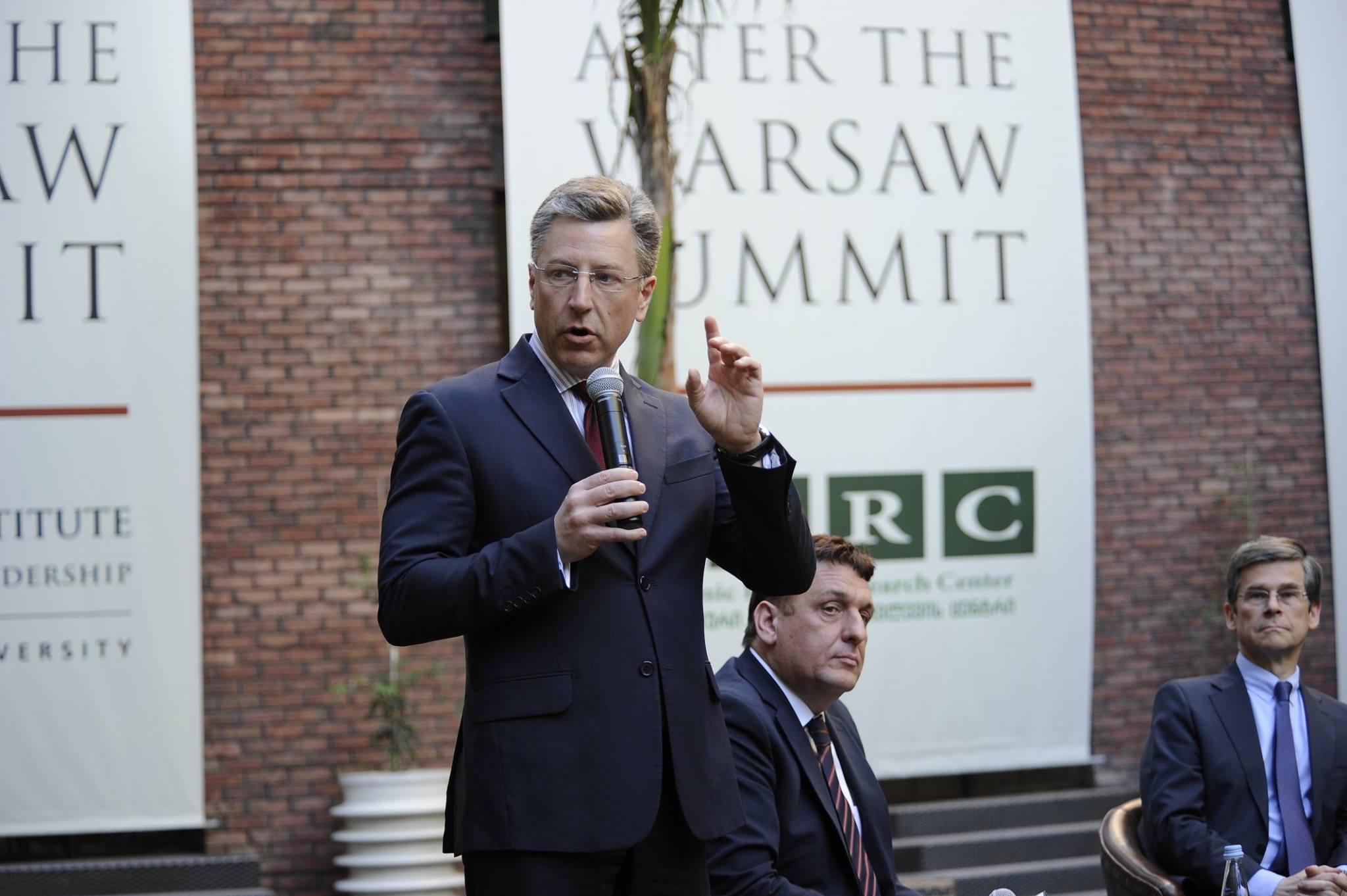 Волкер: В Украине мы проводим более эффективную политику, чем в отношении Абхазии и ЮО