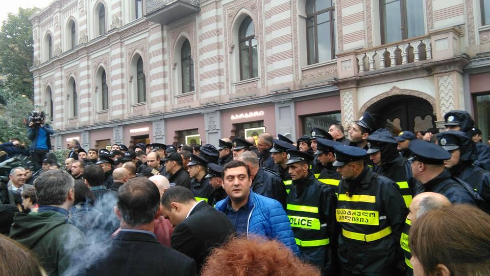 МВД: полиция действует с учетом политического нейтралитета