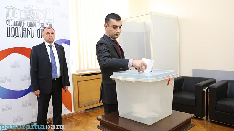 Armenia 2 #новости Армен Саркисян, Армения, выборы, президент, Серж Саргсян