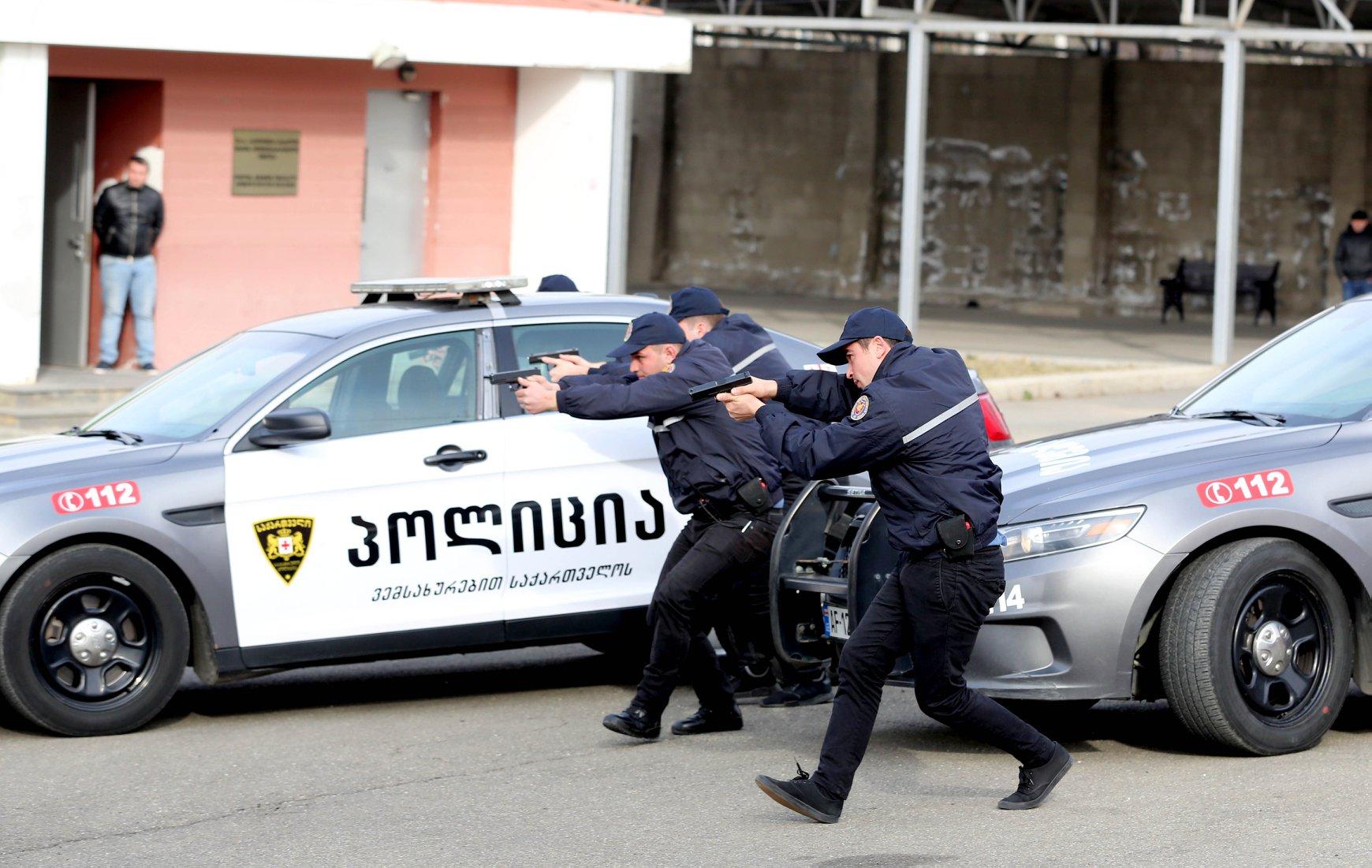Police 4 банк банк