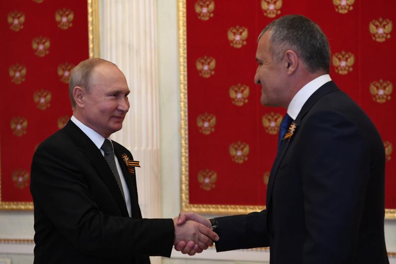 Putin Bibilov #новости аннексия, Грузия, оккупация, путин, российская оккупация