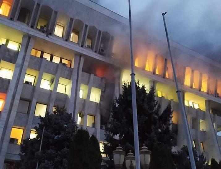 bishkek protest e1602245018659 столкновения столкновения