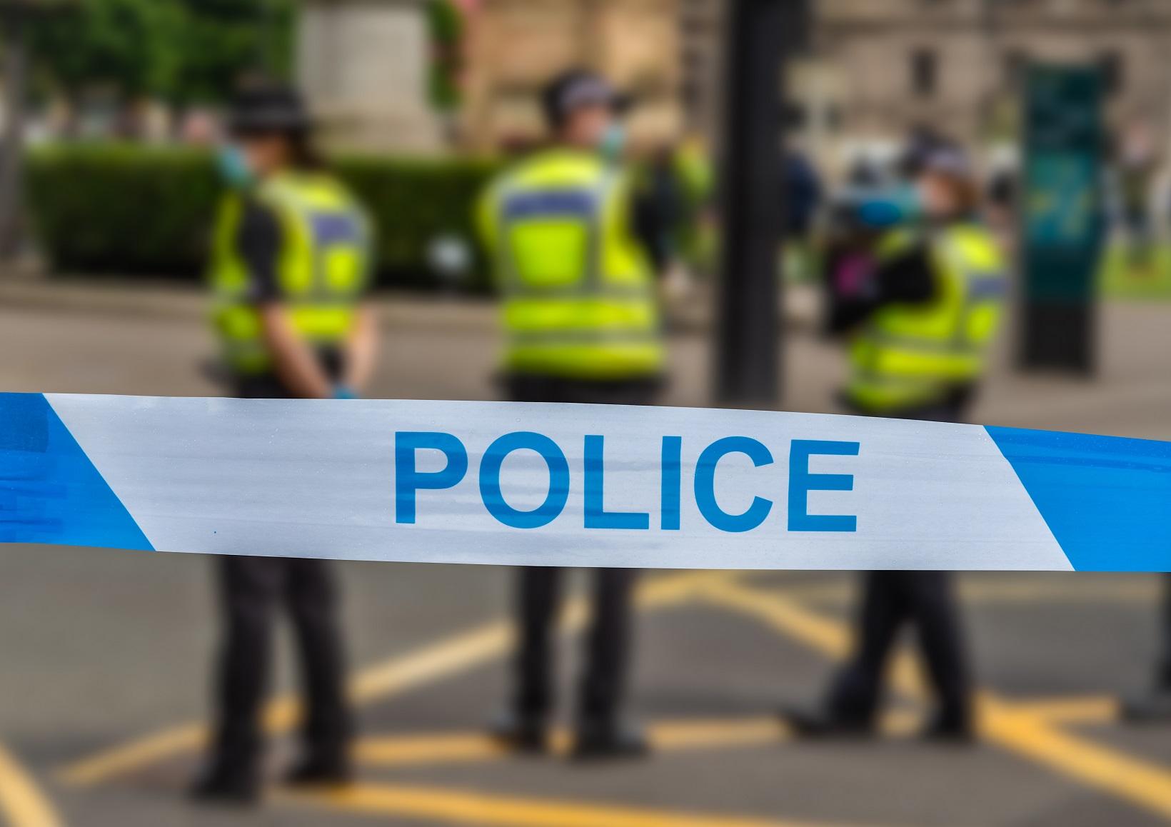 glasgow police at an incident ZACALBU #новости Авиньон, исламизм, теракт, терроризм, Франция