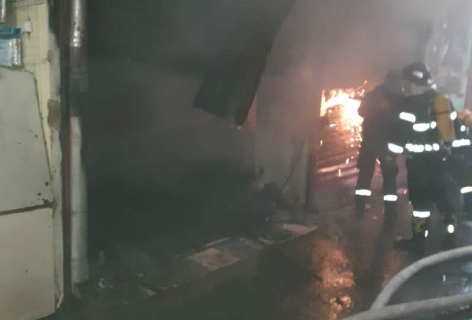 lilo fire1 e1612857475405 #новости Батуми, пожар, рынок Хопа, Служба по управлению чрезвычайными ситуациями