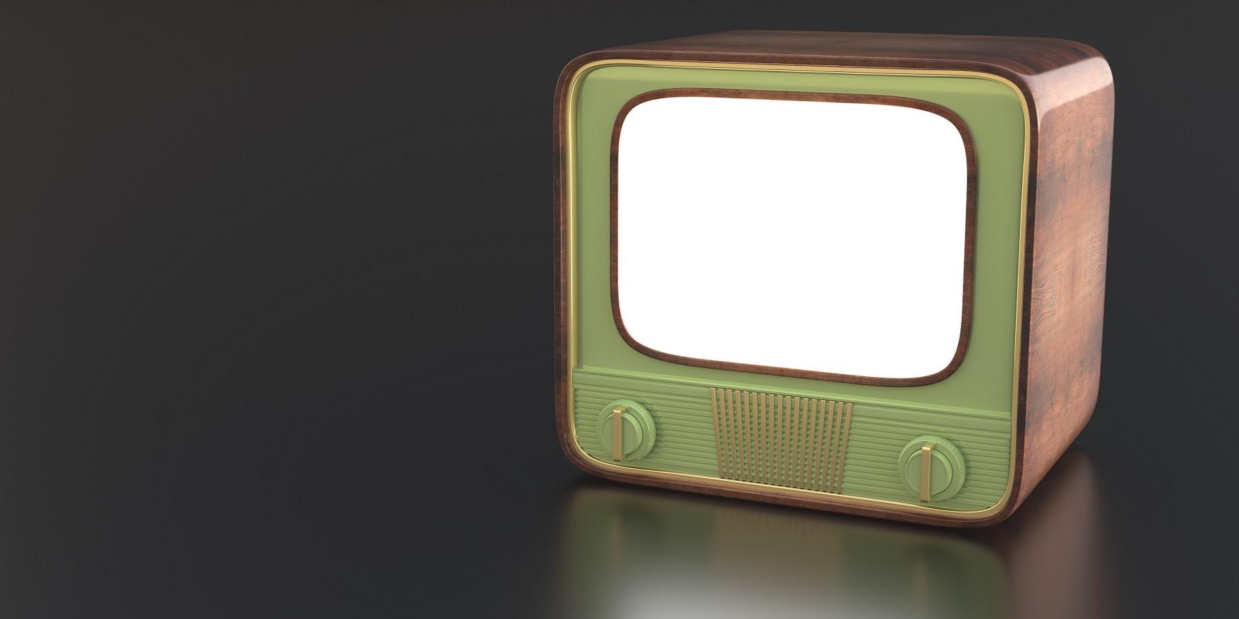 retro old tv against black color background 3d ill 4NCHFFE дезинформация дезинформация