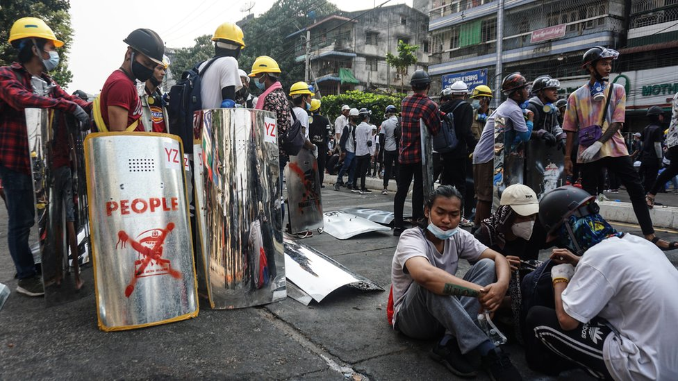 fb image 171 Новости BBC Мьянма, переворот, протесты