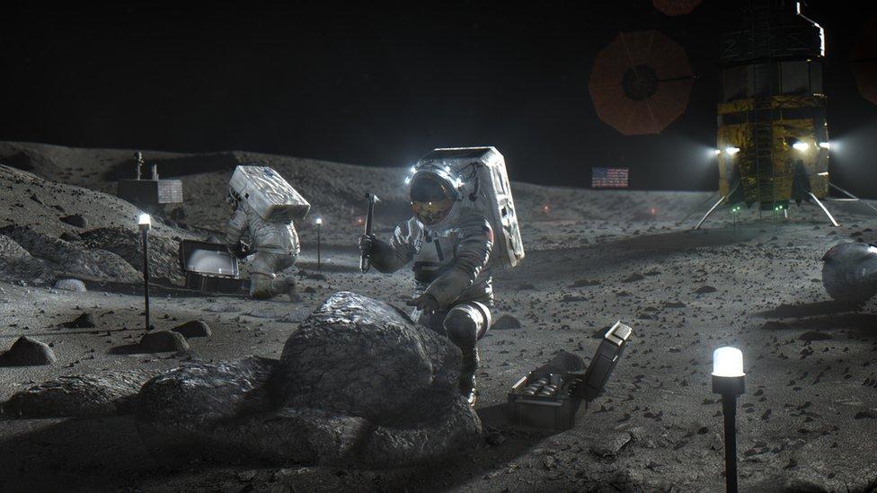 114558614 hls eva apr2020 NASA NASA