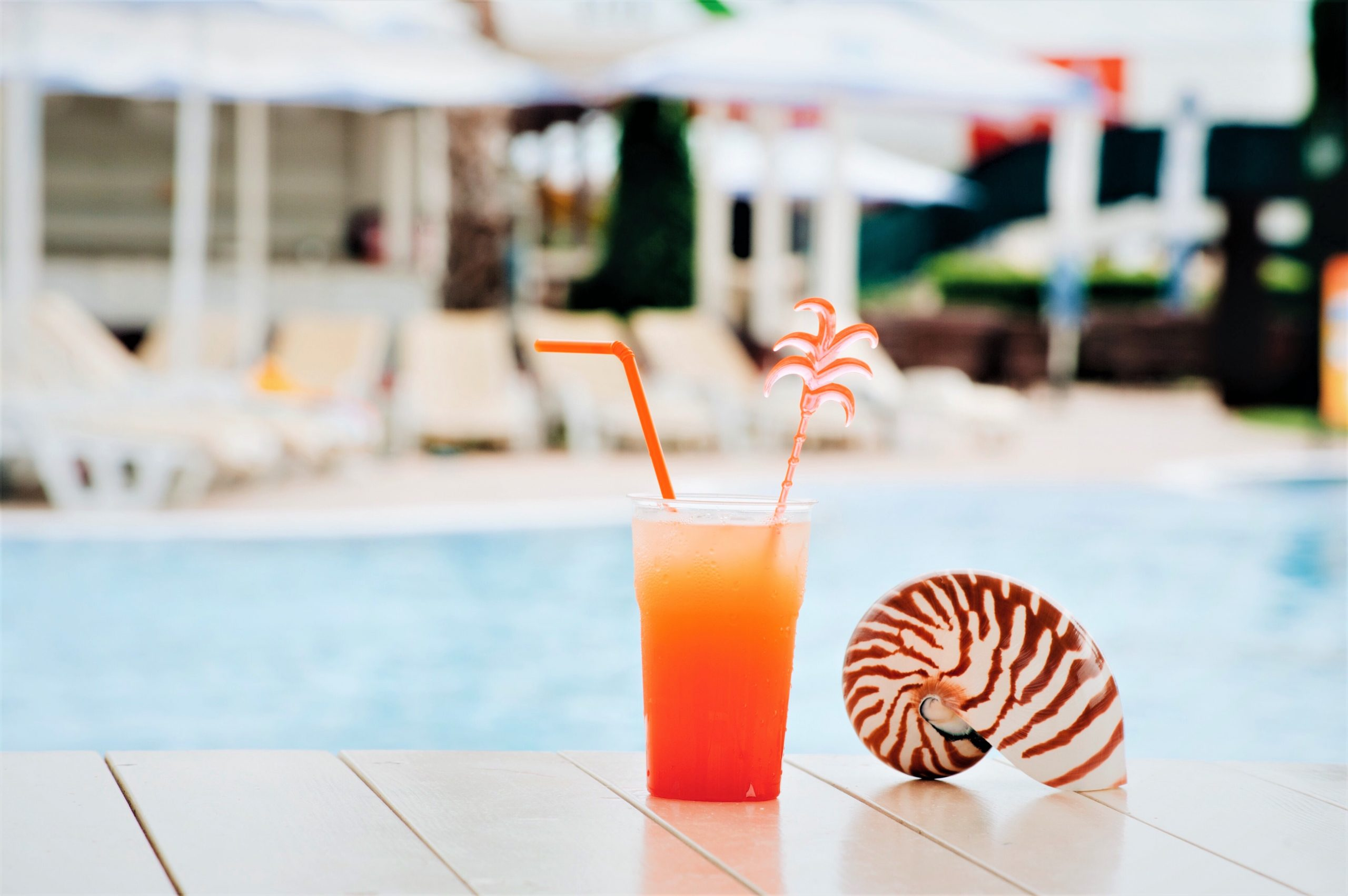 pool relaxation vacation cocktail EYSJVE2 scaled Мцхета Мцхета