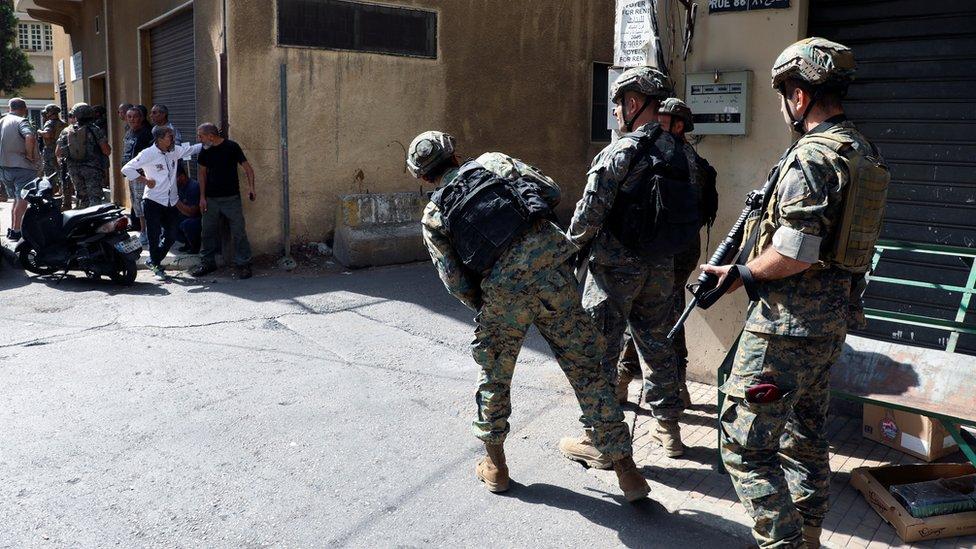 Военные в Бейруте после стрельбы во время демонстрации